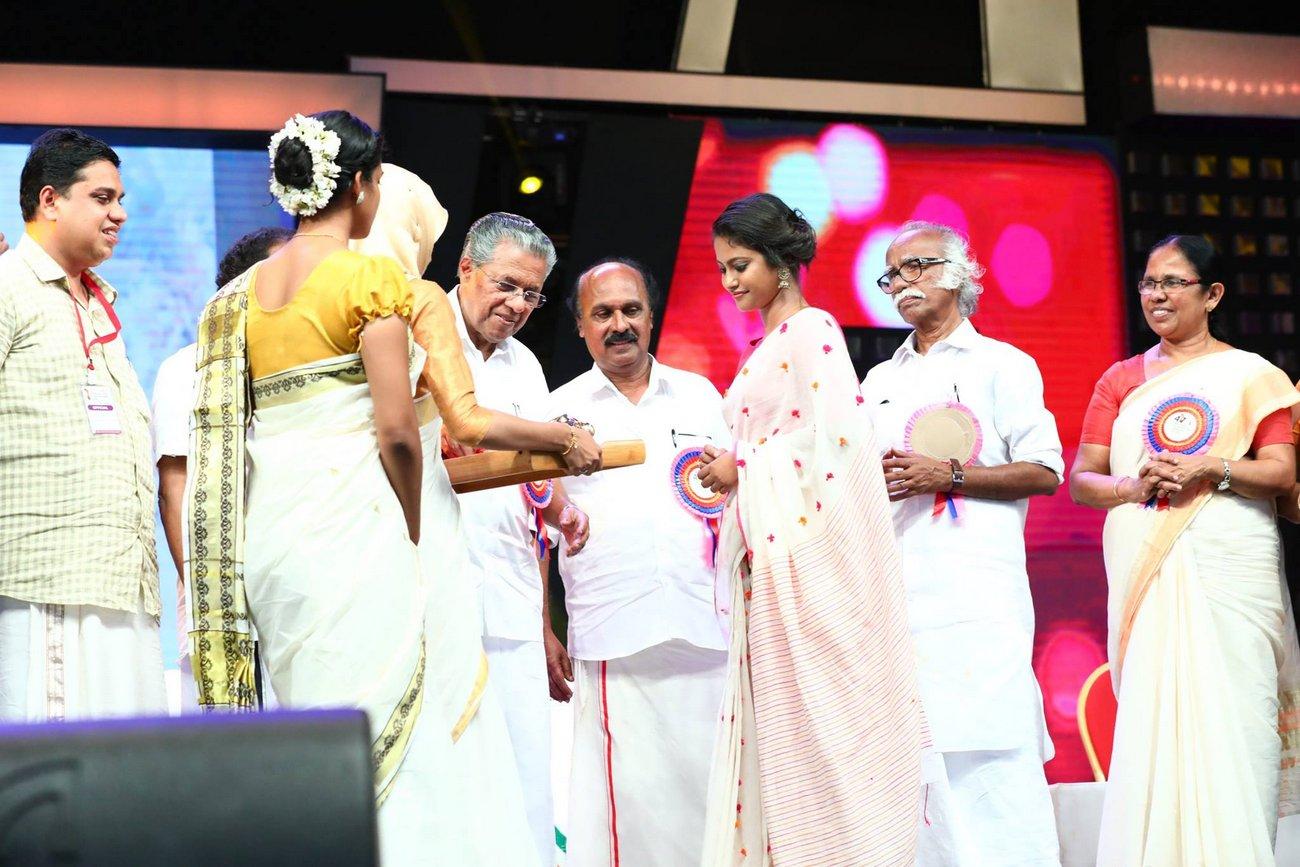 Best Costume Designer Stephy Xavier At Kerala State Film Awards 2017 Photos 05791 Kerala9 Com