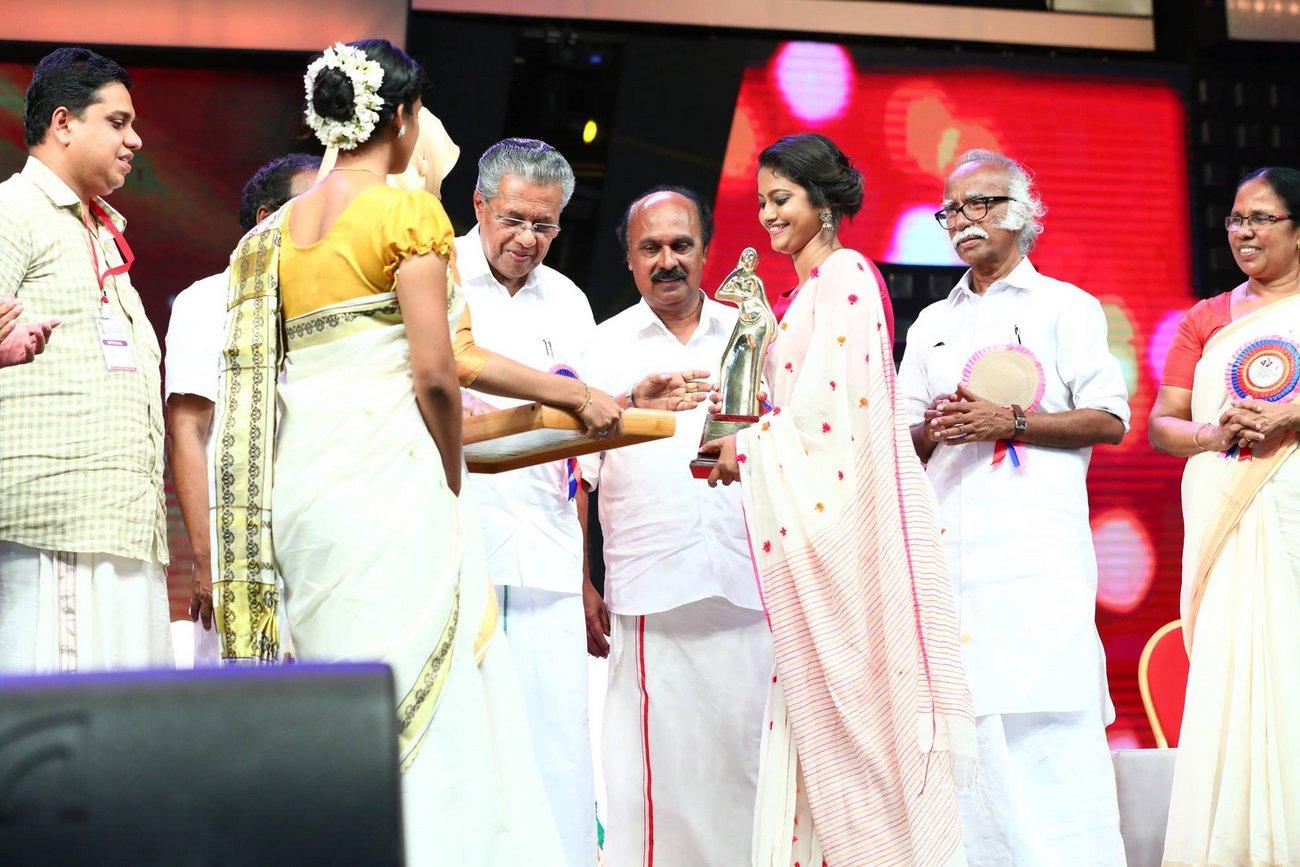 Kerala State Film Awards 2017 Best Costume Designer Stephy Xavier Photos 0581 Kerala9 Com