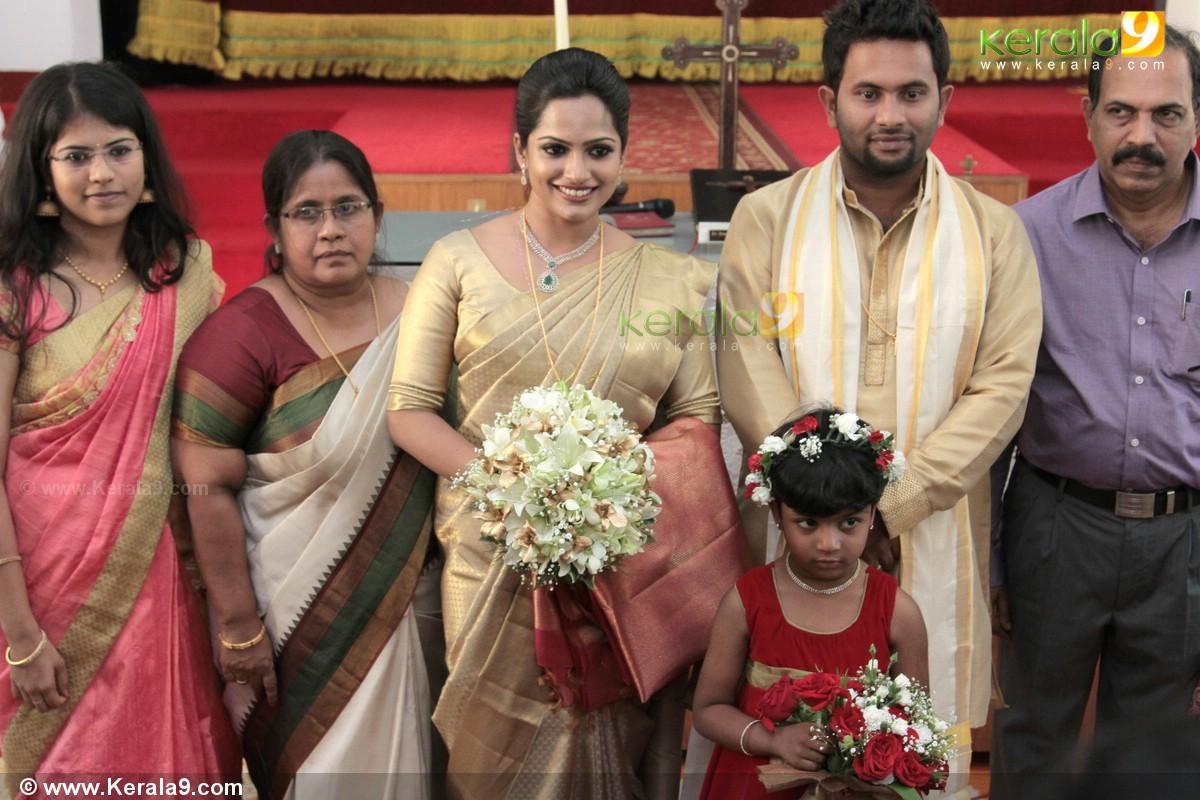 Aju Varghese Marriage Photos 14140