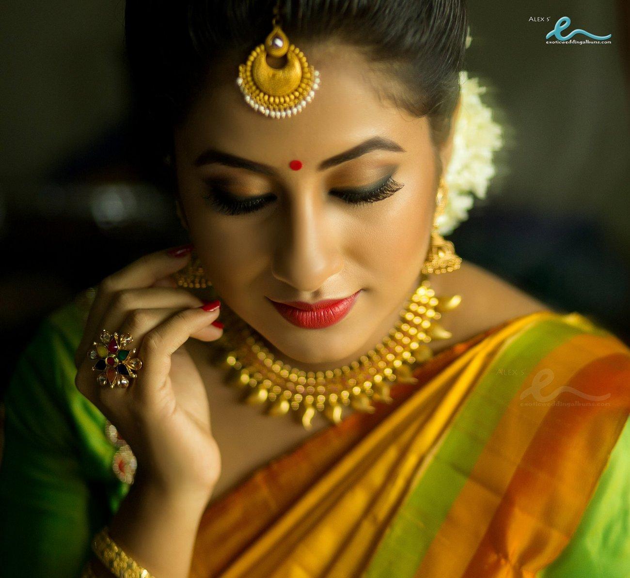 Actress Jyothi Krishna Engagement Photos album 01513 - Kerala9.com for Jyothi Krishna Malayalam Actress  113cpg