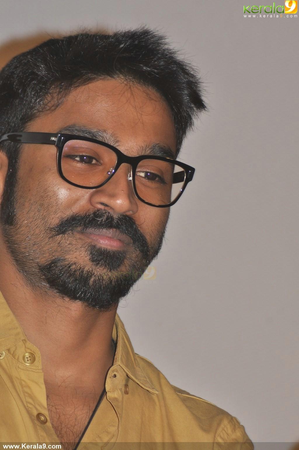 dhanush at anegan tamil movie audio launch photos 00477 - kerala9