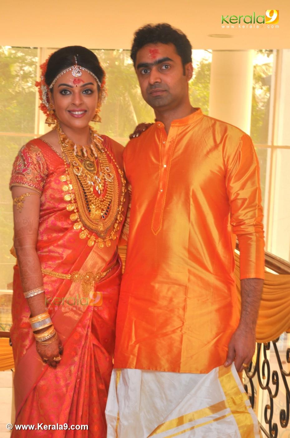 Malayalam Actress Radhika Wedding Photos 0932 033