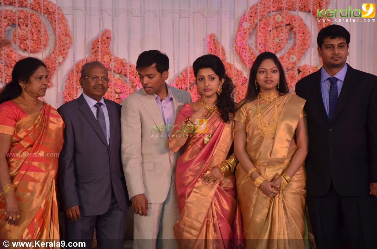 Meera Jasmine Wedding Reception Photos 05197 Kerala9