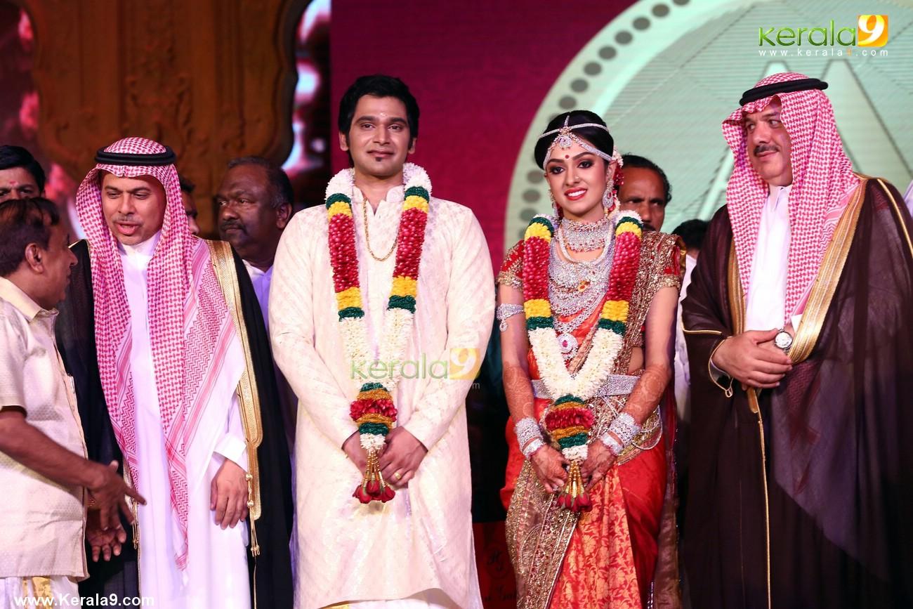 Cached Ravi pillai family photo