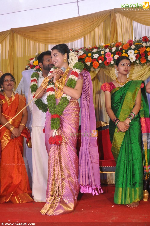 saranya mohan marriage reception photos22 0050 kerala9 com