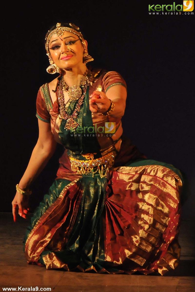 Bharatanatyam Shobana | www.pixshark.com - Images ...