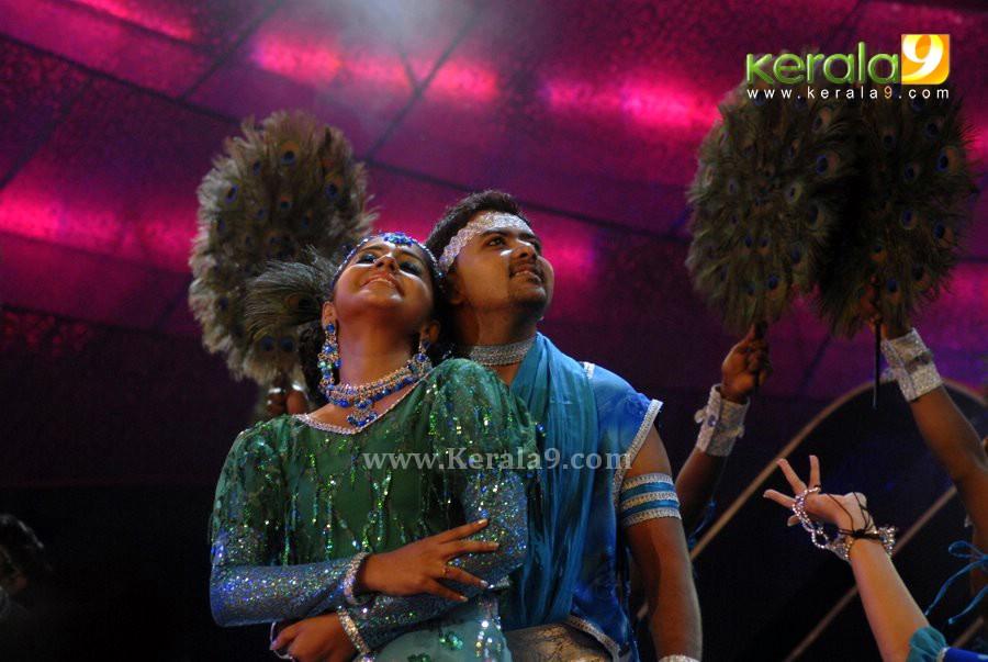 padmapriya hot in surya film awards - photo #18